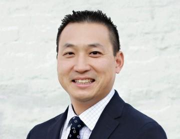 Dr.Wang_Headshot1