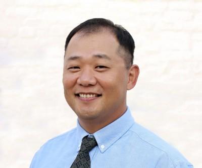 Dr.Hong